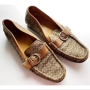 Coach • Vintage Brown Signature C Loafers